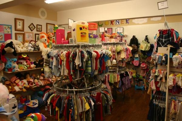 Harvest-Thrift-Store-Children-Wilmot-Ohio