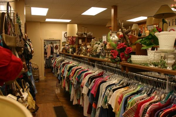 Harvest-Thrift-Store-Clothes-Wilmot-Ohio