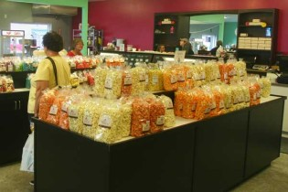 Main-Street-Fudge-and-Popcorn-Co